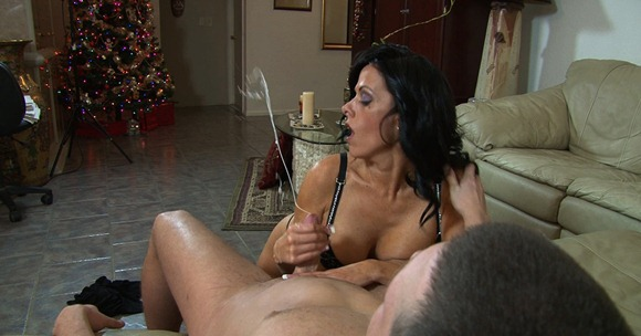 arianna-jerking-a-guy-at-monsters-of-jizz
