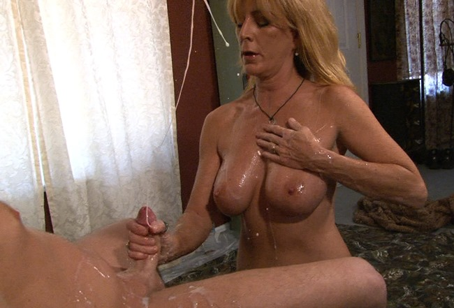 monsters-of-jizz-slutty-milf-lola